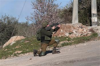 Palestinian protesters clash with Israeli soldiers in Palestinian village of Beta