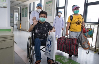 Pic story of recovered COVID-19 patient in Wuhan