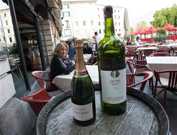 一頓飯在四家館子吃——瑞士小鎮推出的吸引遊客新絕招