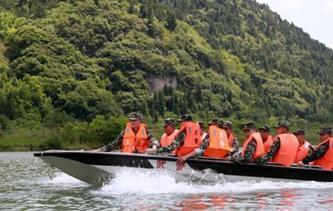 貴州武警開展抗洪搶險應急演練