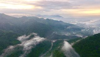 福州:雨後青山美