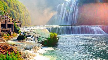 """【""""疫""""後花開 邁向詩和遠方】黃果樹旅遊區:觀壯美瀑布 享天然氧吧"""
