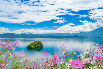 """【""""疫""""後花開 邁向詩和遠方】迷人的高原明珠瀘沽湖 湖旁神秘的""""女兒國"""""""