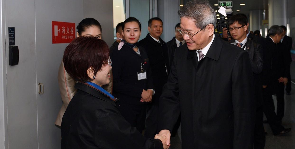 洪秀柱率中國國民黨訪問團抵達北京