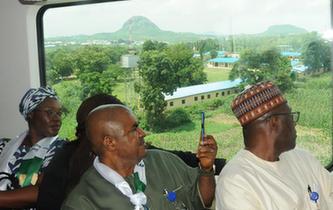 西非地区首条城铁开通
