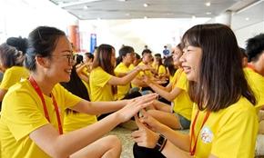 新华网评:要做堂堂正正的中国人