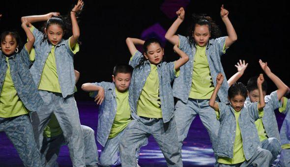 第五屆海峽兩岸青少年街舞大賽決賽在福州舉行