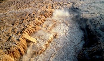 黃河壺口瀑布迎來汛期