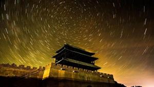 敦煌大漠璀璨星空宛如仙境