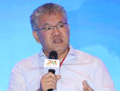 《健康时报》副主编赵安平在高峰对话发言