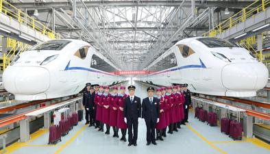 西成高鐵全線開通運營