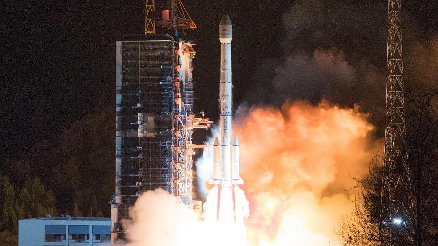 """西昌:""""中星6C""""通信卫星发射成功"""