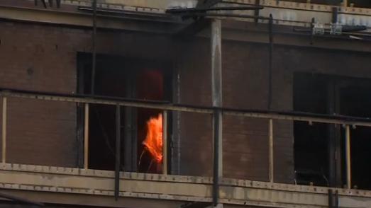 英國倫敦東部一住宅樓起火