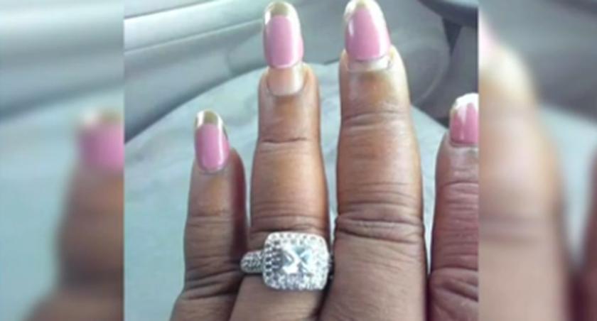 新娘曬出結婚戒指 熟料被美甲搶了風頭