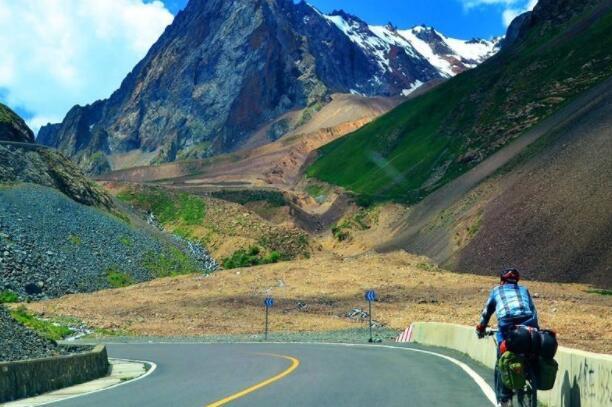 新疆獨庫公路再度開放