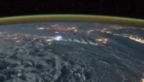 宇航員拍攝閃電雷暴 猶如科幻場景