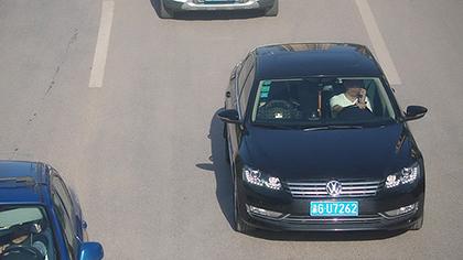 今年重慶交巡警查處開車用手機3.5萬余起