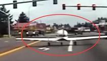 燃油故障 美小型飛機迫降鬧市街道