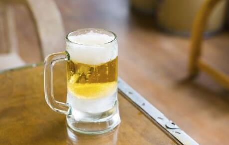 健康提醒:啤酒當水喝 小心痛風