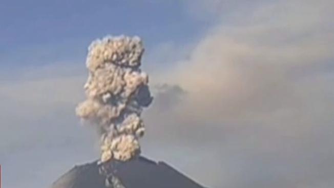 波波卡特佩特火山數次噴發