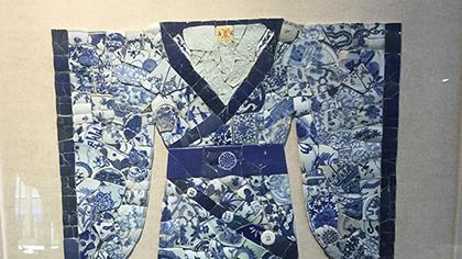 驚艷!2000余片古瓷片拼出華美漢服