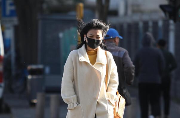 北京:迎寒潮大風天氣