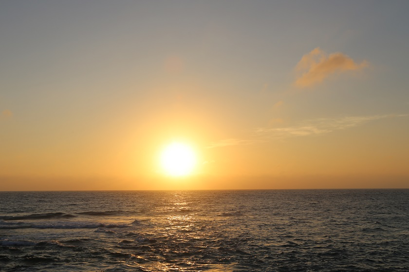 冬天到海南金月灣看醉美夕陽