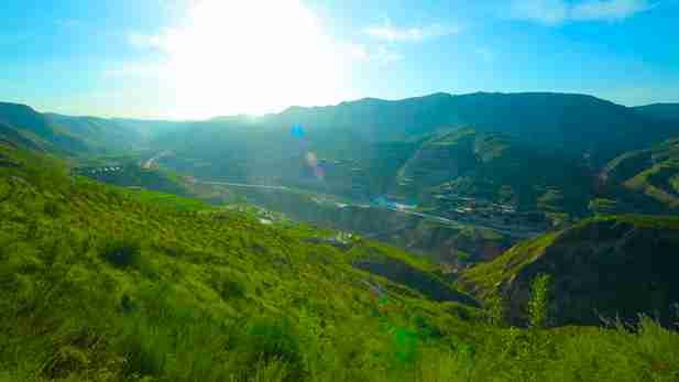 甘肅布楞溝村《幸福山花遍地開》