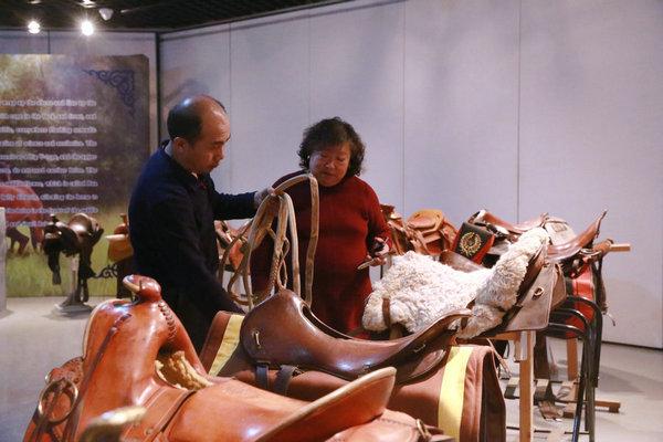 一家四代 百年傳承——探訪多倫馬具博物館