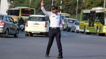 印度交警跳舞指揮走紅