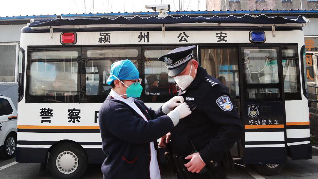 警察魏雲龍:咫尺之間,各自奮戰