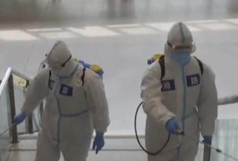 湖北武漢:武漢火車站進行全面消殺