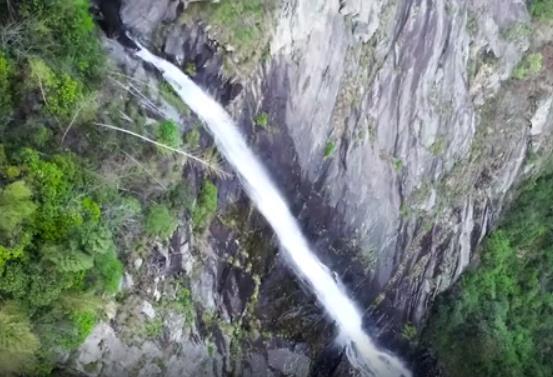 飛流直下三千尺!俯瞰課本裏的廬山瀑布