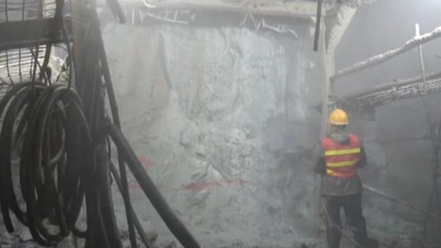 雲南:歷時11年 大瑞鐵路太邑隧道貫通