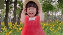 把夏天穿身上!寶媽給3歲女兒拍創意果蔬照