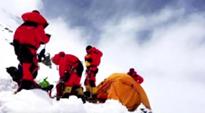 2020珠峰高程測量登山隊第三次向頂峰進發
