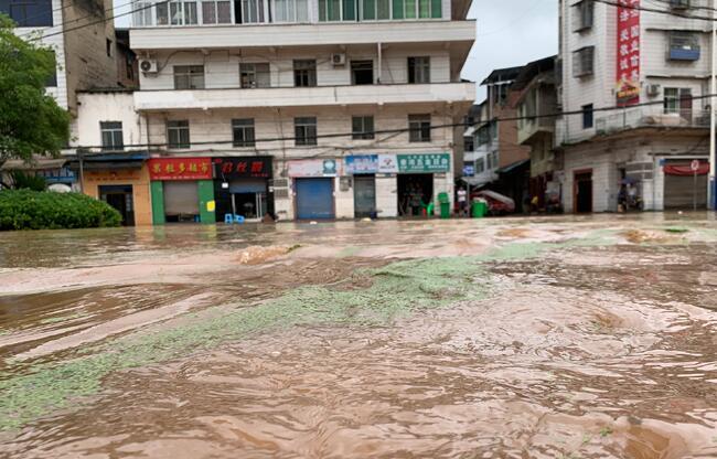 重慶市28個區縣出現暴雨