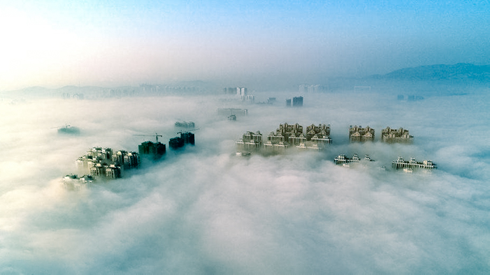 漢江老河口段現平流霧奇觀