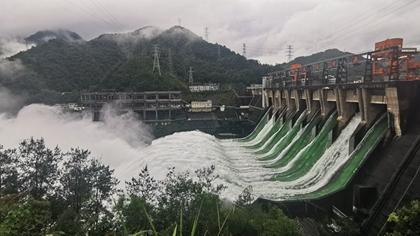 史上首次!新安江水庫9孔泄洪