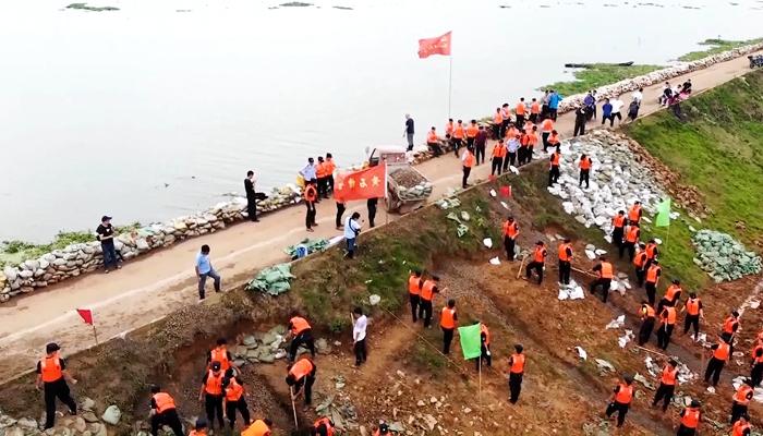 湖北黃石:1500名公安民警奮戰防汛一線