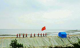 武警官兵駐守大堤備勤護平安