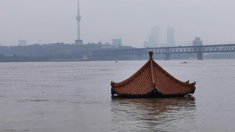長江第2號洪水過境武漢