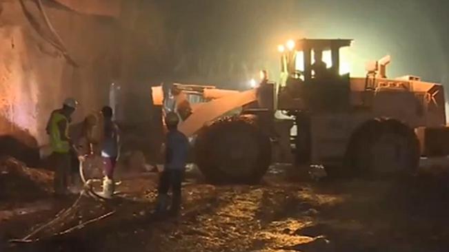 雲南:中老鐵路會崗山隧道順利貫通