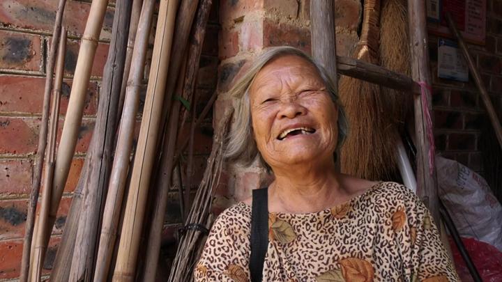 【你笑起來真好看】83歲梁奶奶歌唱幸福生活