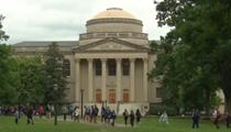 美國政府宣布留學生及外國記者簽證新規修改意見