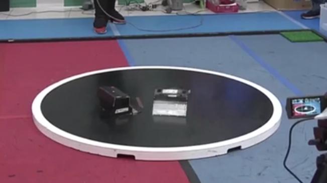 創意!日本舉辦機器人相撲大賽