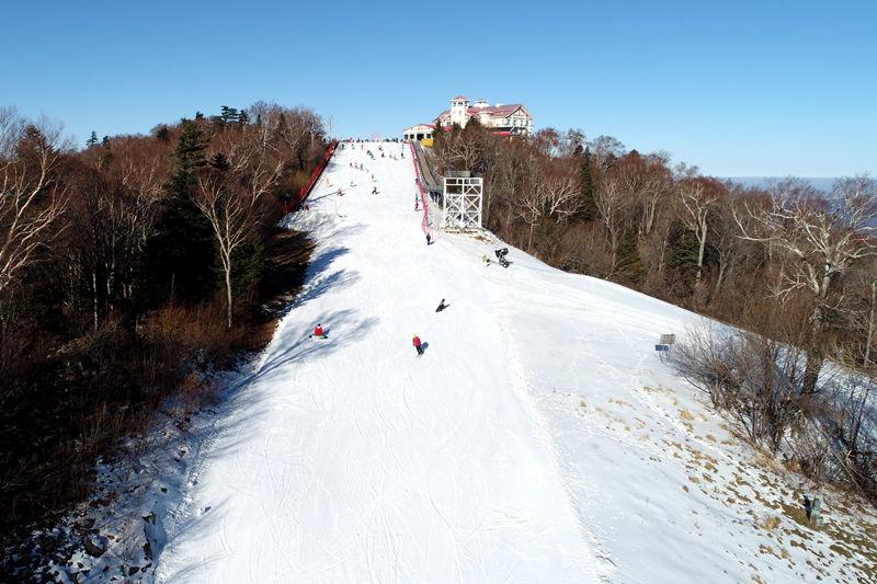 激情亞布力喜迎新雪季:我們開滑啦!