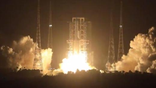 現場直擊!我國成功發射嫦娥五號探測器