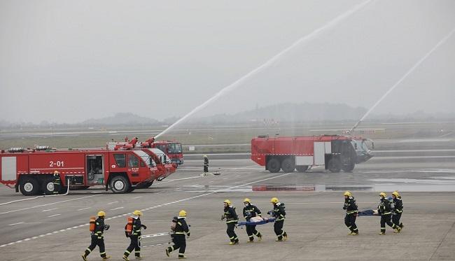 飛機遭遇雷擊怎麼辦?來看這場應急救援綜合演練
