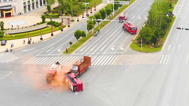 湖北孝感:多部門聯合開展交通事故應急救援演練